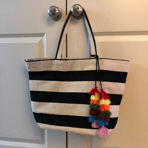 Forever 21 beach/pool tote never used
